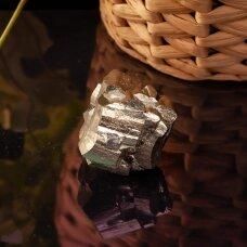 Pentagraminis pirito kristalas
