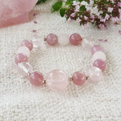 Rožinio kvarco apyrankė su sidabro detalėmis 3